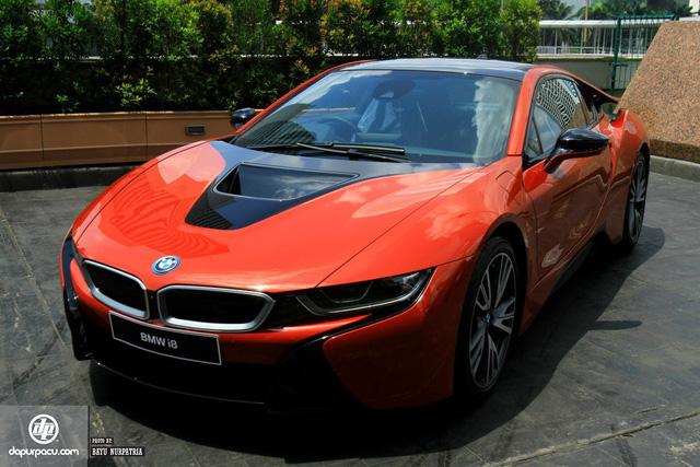 BMW i8 phiên bản đỏ rực về tay đại gia Indonesia, dân chơi Việt phát thèm - Ảnh 2.