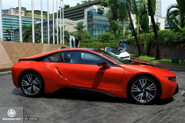 BMW i8 phiên bản đỏ rực về tay đại gia Indonesia, dân chơi Việt phát thèm - Ảnh 3.