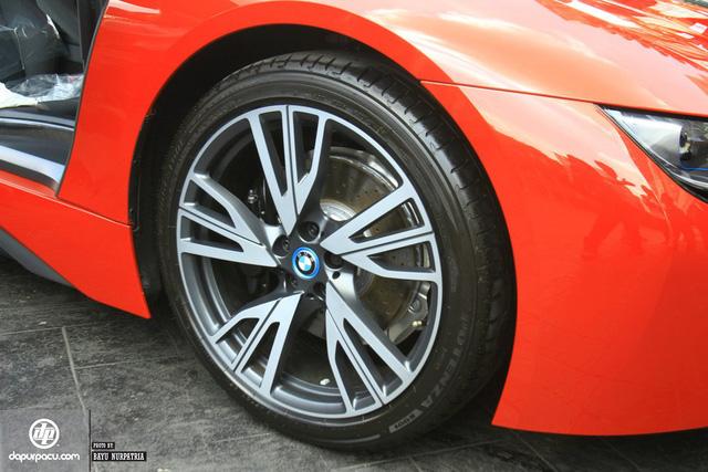 BMW i8 phiên bản đỏ rực về tay đại gia Indonesia, dân chơi Việt phát thèm - Ảnh 4.