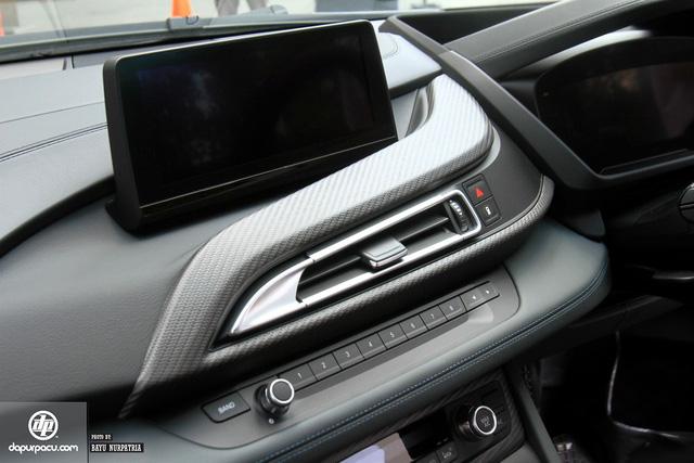 BMW i8 phiên bản đỏ rực về tay đại gia Indonesia, dân chơi Việt phát thèm - Ảnh 6.