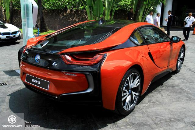 BMW i8 phiên bản đỏ rực về tay đại gia Indonesia, dân chơi Việt phát thèm - Ảnh 8.