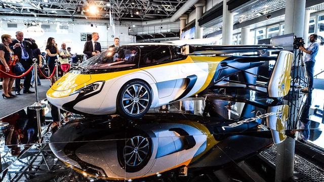 Cận cảnh ô tô bay triệu đô trong triển lãm nhà giàu Top Marques Monaco 2017 - Ảnh 4.