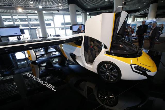 Cận cảnh ô tô bay triệu đô trong triển lãm nhà giàu Top Marques Monaco 2017 - Ảnh 8.