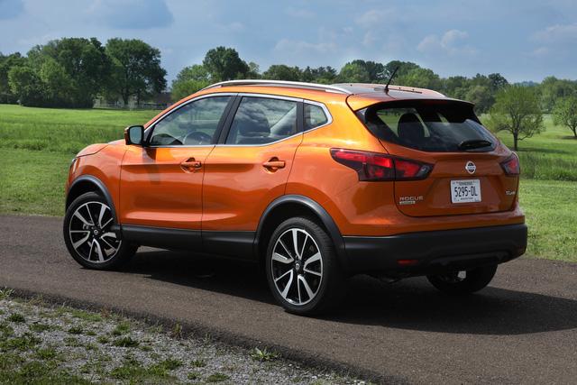 Crossover cỡ nhỏ cho thành thị Nissan Rogue Sport 2017 đã có giá bán - Ảnh 1.