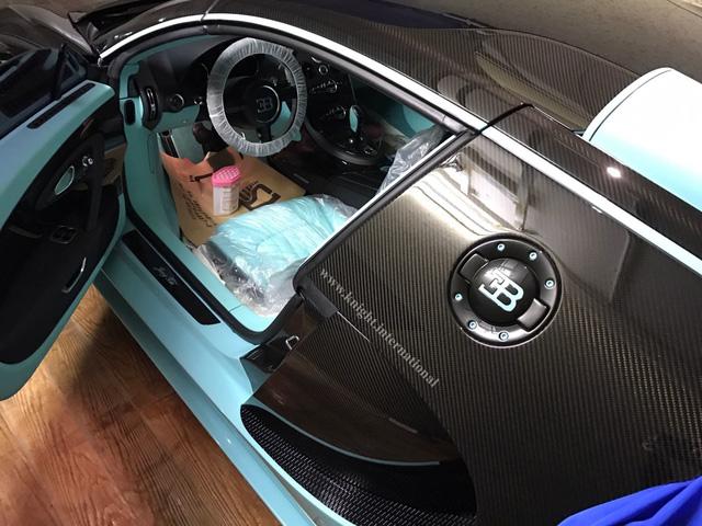 Đây là chiếc siêu xe Bugatti Veyron có một không hai chưa từng lăn bánh - Ảnh 3.
