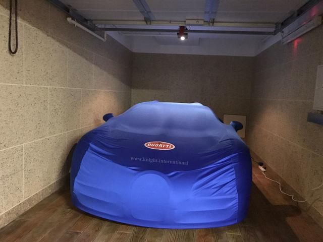 Đây là chiếc siêu xe Bugatti Veyron có một không hai chưa từng lăn bánh - Ảnh 1.