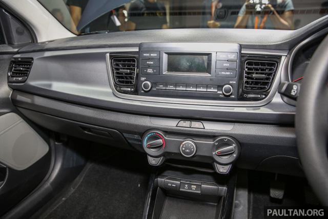 Kia Rio Hatchback 2017 cập bến Đông Nam Á với trang bị nghèo nàn - Ảnh 9.