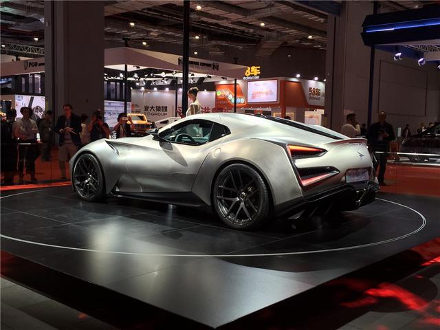Siêu xe xác Hoa, hồn Ý Icona Vulcano Titanium có giá không thể tin được - Ảnh 8.