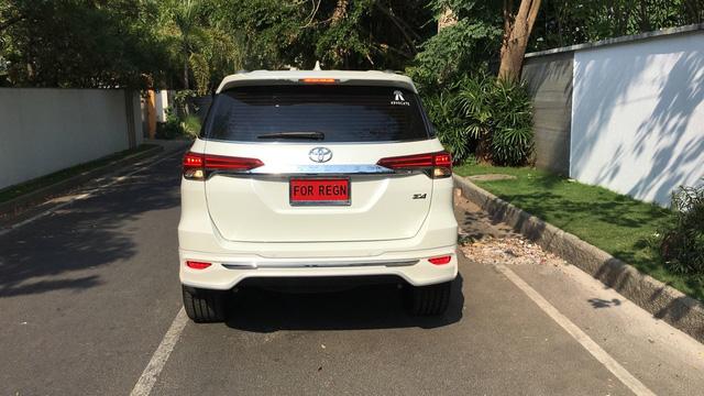 Toyota Fortuner 2017 thể thao hơn với bộ body kit nhập từ Thái Lan - Ảnh 4.