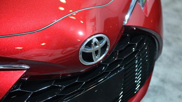 Toyota Yaris 2018 tăng giá nhẹ, từ 15.635 USD - Ảnh 4.