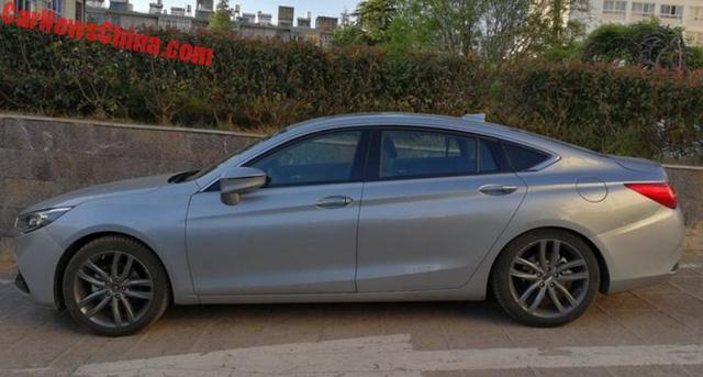 Bắt gặp phiên bản sang hơn của Mazda6 trên đường phố - Ảnh 3.