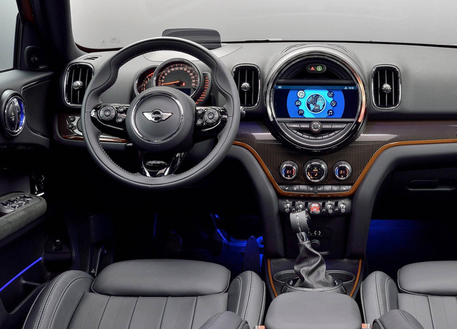10 khoang nội thất ô tô đẹp nhất năm 2017 - Ảnh 9.