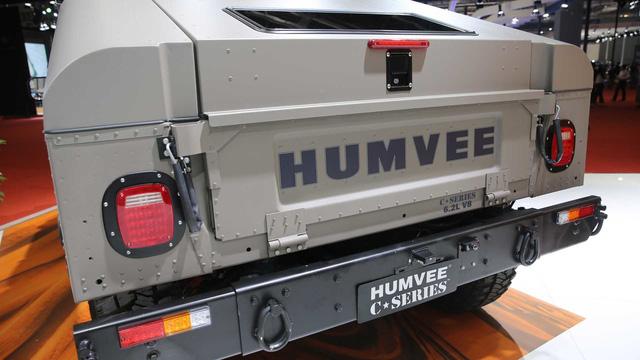 Huyền thoại Hummer H1 được hồi sinh để phục vụ giới nhà giàu - Ảnh 1.