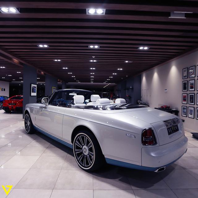 Cận cảnh chiếc Rolls-Royce Phantom Drophead Coupe ra lò cuối cùng - Ảnh 3.