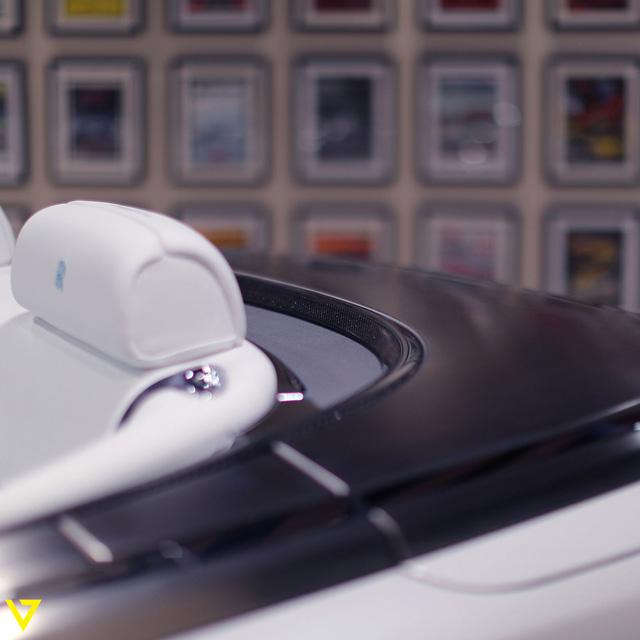 Cận cảnh chiếc Rolls-Royce Phantom Drophead Coupe ra lò cuối cùng - Ảnh 12.