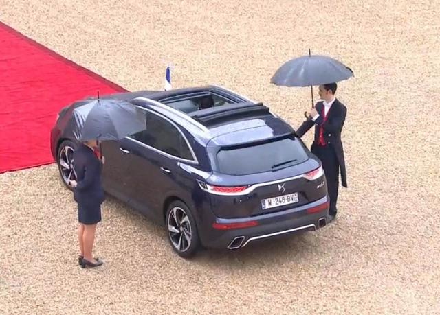 Khám phá chiếc SUV mở mui đặc biệt của tân Tổng thống Pháp Emmanuel Macron - Ảnh 6.
