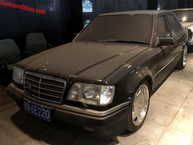 Bộ sưu tập Mercedes-Benz nằm phủ bụi khiến nhiều người xót xa - Ảnh 12.