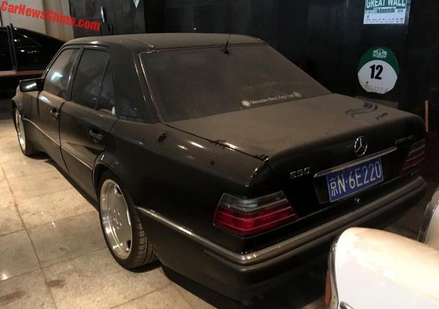 Bộ sưu tập Mercedes-Benz nằm phủ bụi khiến nhiều người xót xa - Ảnh 13.