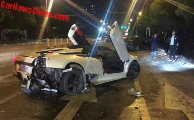 Lamborghini Murcielago hàng hiếm gây tai nạn liên hoàn, Range Rover bị vạ lây - Ảnh 3.