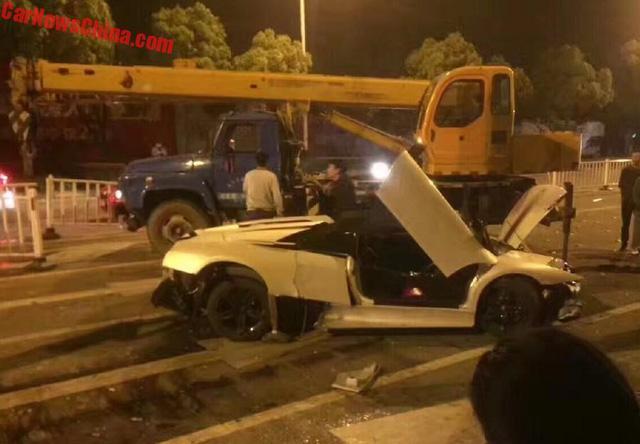 Lamborghini Murcielago hàng hiếm gây tai nạn liên hoàn, Range Rover bị vạ lây - Ảnh 5.