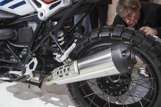Dầu nhớt xe máy nhập khẩu Totachi cùng với hãng BMW đã vén màn một thành viên mới của dòng mô tô R nineT mang tên Urban G/S. - Ảnh 11.