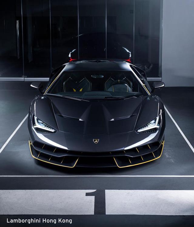Siêu phẩm Lamborghini Centenario đầu tiên cập bến châu Á - Ảnh 1.