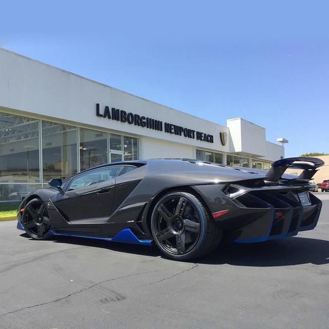 Cận cảnh siêu phẩm Lamborghini Centenario đầu tiên đặt chân đến Mỹ - Ảnh 6.