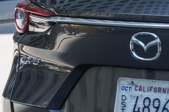 Bắt gặp crossover 3 hàng ghế Mazda CX-8 hoàn toàn mới trên đường phố - Ảnh 2.