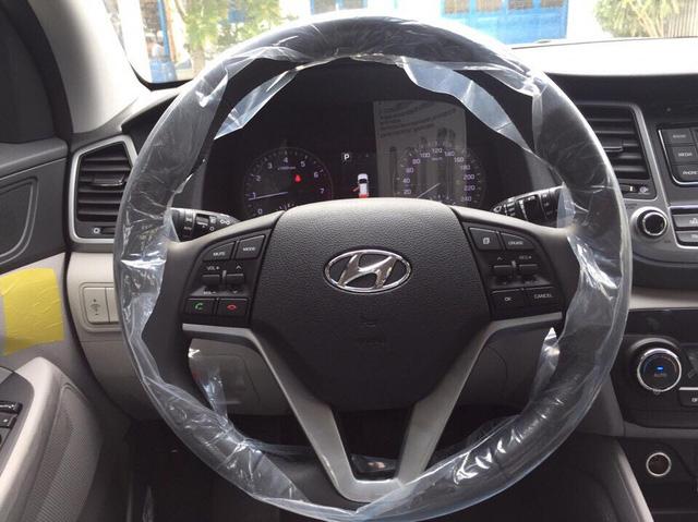 Crossover cỡ nhỏ Hyundai Tucson phiên bản mới lộ diện tại Việt Nam - Ảnh 6.