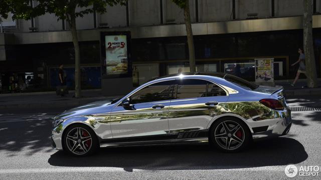 Bắt gặp gương di động Mercedes-AMG C63 S Edition 1 trên đường phố - Ảnh 1.