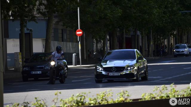 Bắt gặp gương di động Mercedes-AMG C63 S Edition 1 trên đường phố - Ảnh 2.