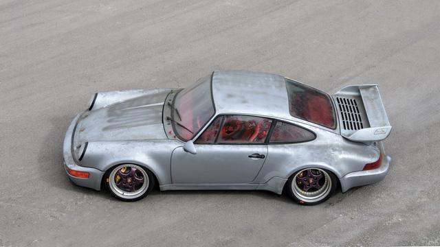 Porsche 911 chưa từng qua sử dụng trong 24 năm được bán với giá hơn 50 tỷ Đồng - Ảnh 5.