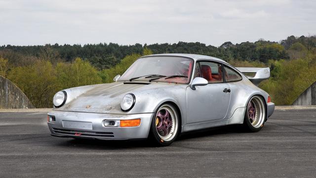 Porsche 911 chưa từng qua sử dụng trong 24 năm được bán với giá hơn 50 tỷ Đồng - Ảnh 6.