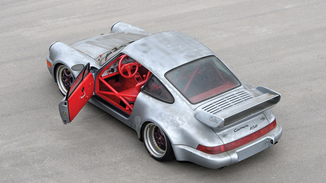 Porsche 911 chưa từng qua sử dụng trong 24 năm được bán với giá hơn 50 tỷ Đồng - Ảnh 13.
