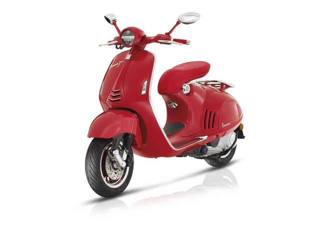 Siêu phẩm Vespa 946 RED Edition từng ra mắt Việt Nam có giá ngang ô tô - Ảnh 2.