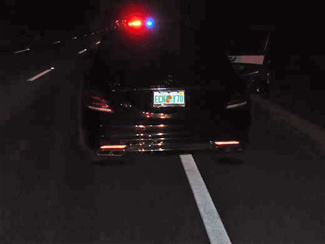 Tay golf Tiger Woods phá hỏng xe sang Mercedes-Benz S65 AMG - Ảnh 1.