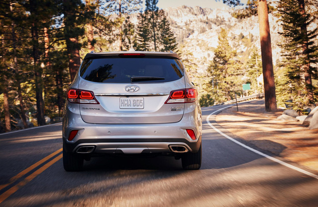 Hyundai giới thiệu Santa Fe 2018 với những thay đổi nhẹ nhàng - Ảnh 7.