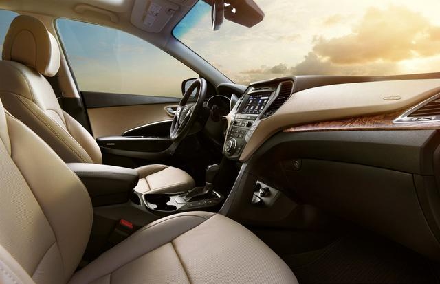 Hyundai giới thiệu Santa Fe 2018 với những thay đổi nhẹ nhàng - Ảnh 8.