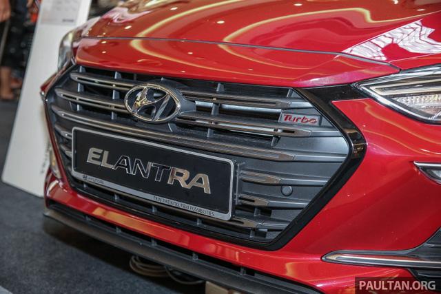 Hyundai Elantra 2017 có giá khởi điểm 637 triệu Đồng tại Malaysia - Ảnh 3.