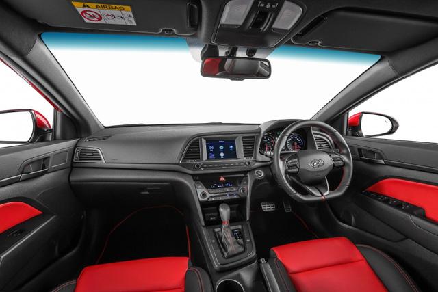 Hyundai Elantra 2017 có giá khởi điểm 637 triệu Đồng tại Malaysia - Ảnh 6.