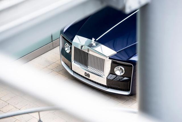 Bắt gặp kiệt tác 290,6 tỷ Đồng Rolls-Royce Sweptail trên đường phố - Ảnh 5.