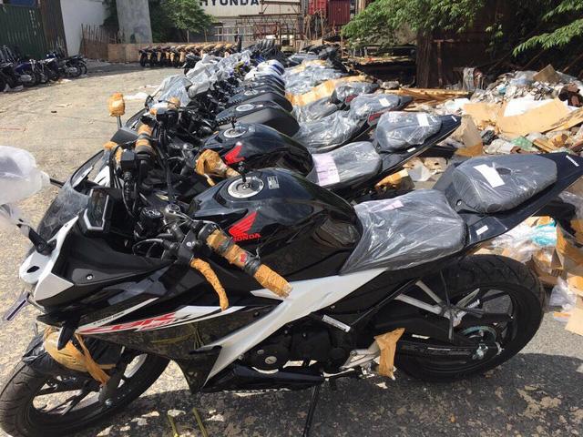 Lô xe Honda CBR150R 2017 cập bến Việt Nam với giá hơn 110 triệu Đồng - Ảnh 2.