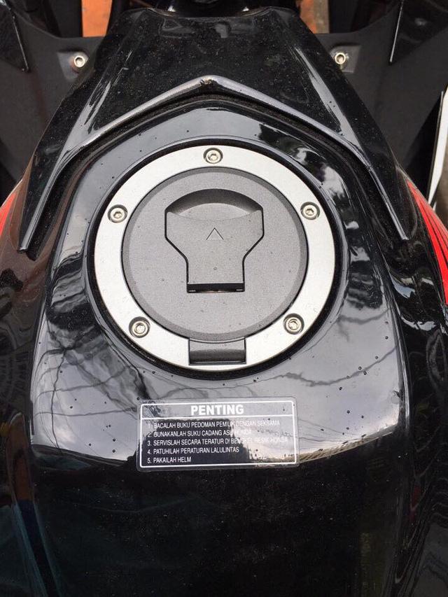 Lô xe Honda CBR150R 2017 cập bến Việt Nam với giá hơn 110 triệu Đồng - Ảnh 6.