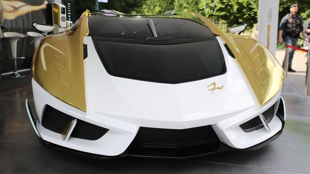 Làm quen với chiếc siêu xe 38 tỷ Đồng có cả bể cá bên trong - Ảnh 7.