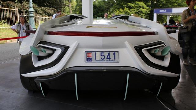 Làm quen với chiếc siêu xe 38 tỷ Đồng có cả bể cá bên trong - Ảnh 9.