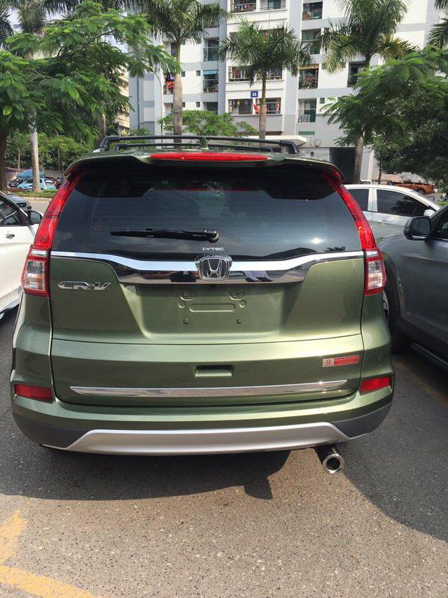 Xuất hiện Honda CR-V sơn màu xanh lục lạ mắt tại Hà Nội - Ảnh 5.