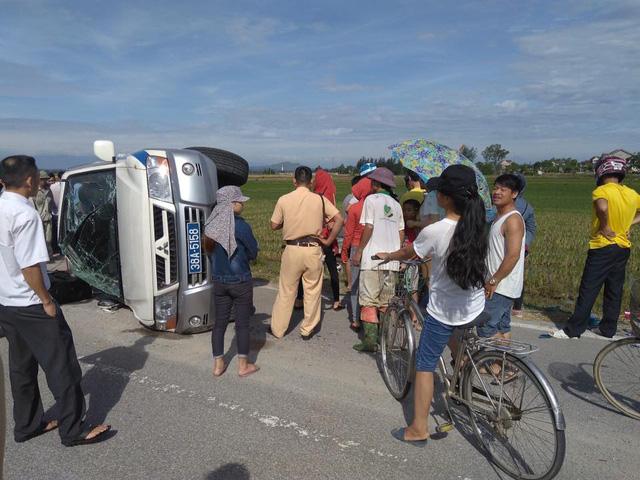 Hà Tĩnh: Toyota Fortuner đâm lật xe cảnh sát rồi lao xuống ruộng - Ảnh 6.