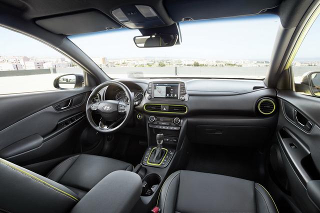 Ngắm kỹ nội thất của SUV đô thị Hyundai Kona 2018 có thể về Việt Nam - Ảnh 2.