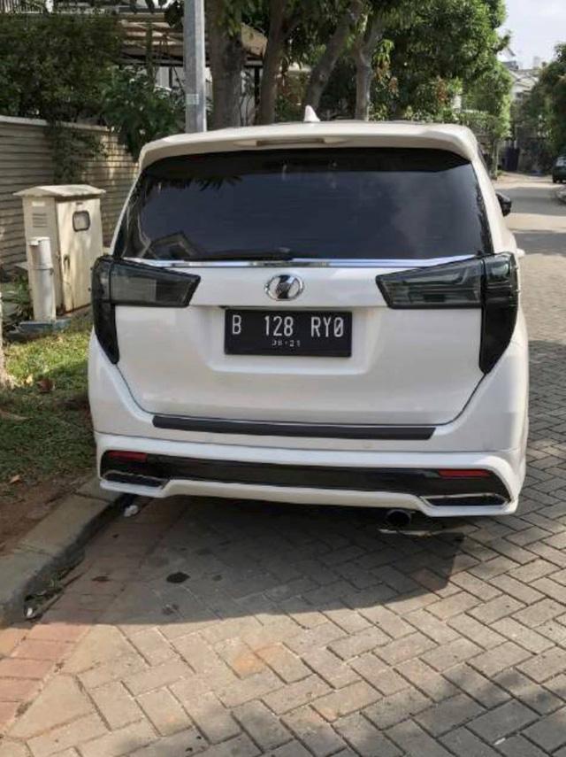 Toyota Innova 2016 hầm hố hơn với bộ body kit của Thái Lan, khách Việt cũng có thể đặt mua - Ảnh 4.