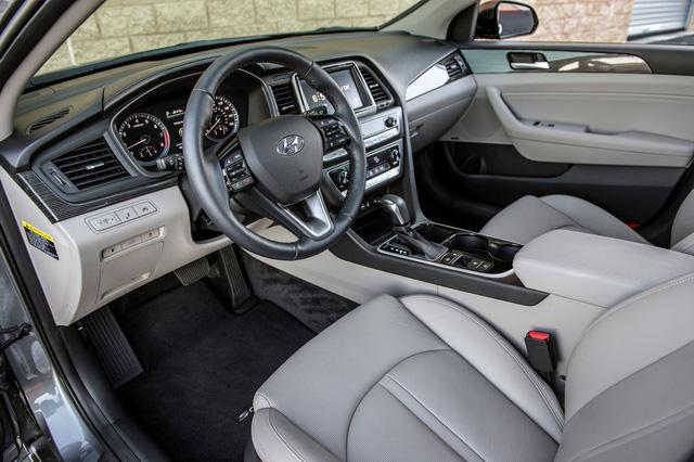 Sedan cỡ trung Hyundai Sonata 2018 được chốt giá - Ảnh 4.
